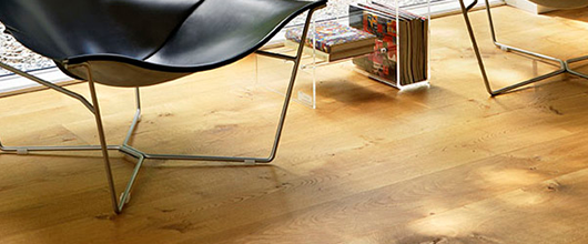 Which is better: engineered or solid oak flooring?