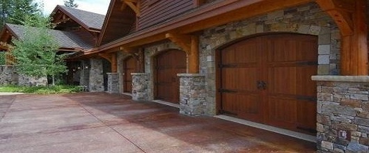 Choosing the best garage door for your home design erie for Top garage vitrolles