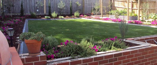 Summer Landscaping with Synthetic Turf